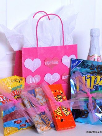 "HAPPY LOVE DAY! and ""Date in a Bag"""