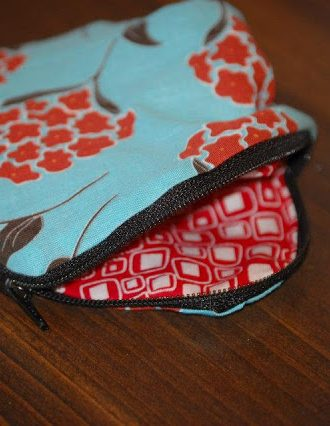 Reader Submission: Flat Zipper Bag/Wallet and Crib Rail Guards