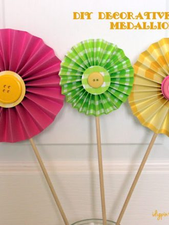 Party Decorations…DIY Decorative Paper Medallions