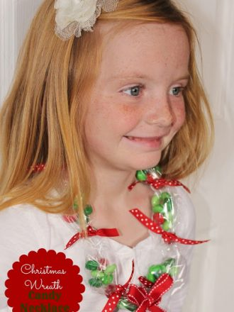 Christmas Wreath Candy Necklace Kids' Craft