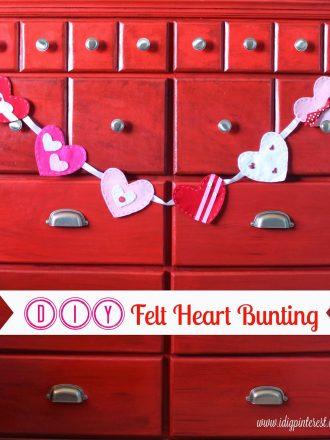 DIY Felt Heart Valentine's Bunting