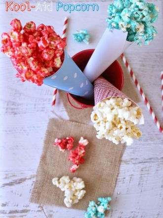 Patriotic Party Beverage & Red, White and Blue Kool-Aid Popcorn