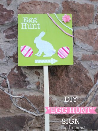 DIY Egg Hunt Sign