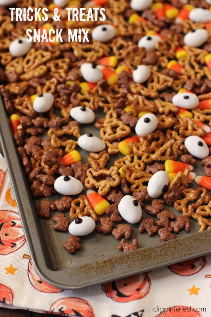 tricks-and-treats-snack-mix3